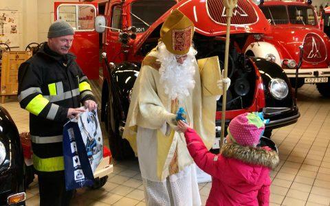 Der Nikolaus sorgte für strahlende Kinderaugen